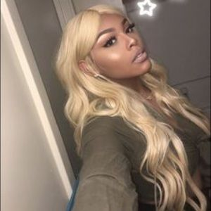 """💫24"""" BLONDE LACE FRONT WIG💫 *NWT*"""